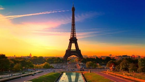 6993613-paris-sunset-view
