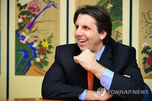 Mark Lippert, the US ambassador in South Korea predicts Park Byung-ho will have success too in the MLB